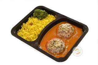 Afbeelding van Gevulde tomaat met tomatensaus en rijst